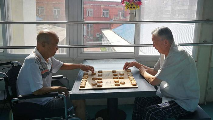 天津养老院里的老人生活